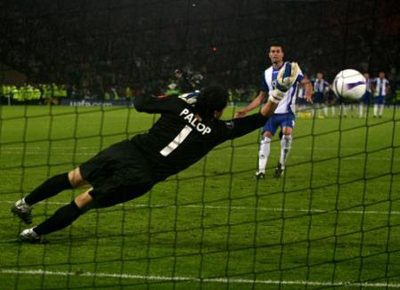Soccer - UEFA Cup - Final - Espanyol v Sevilla - Hampden Park