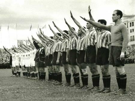 Valencia_CF_y_el_RCD_Espanol_1941